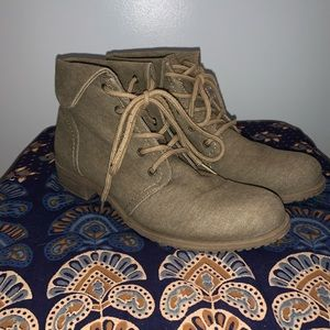Low tan boots